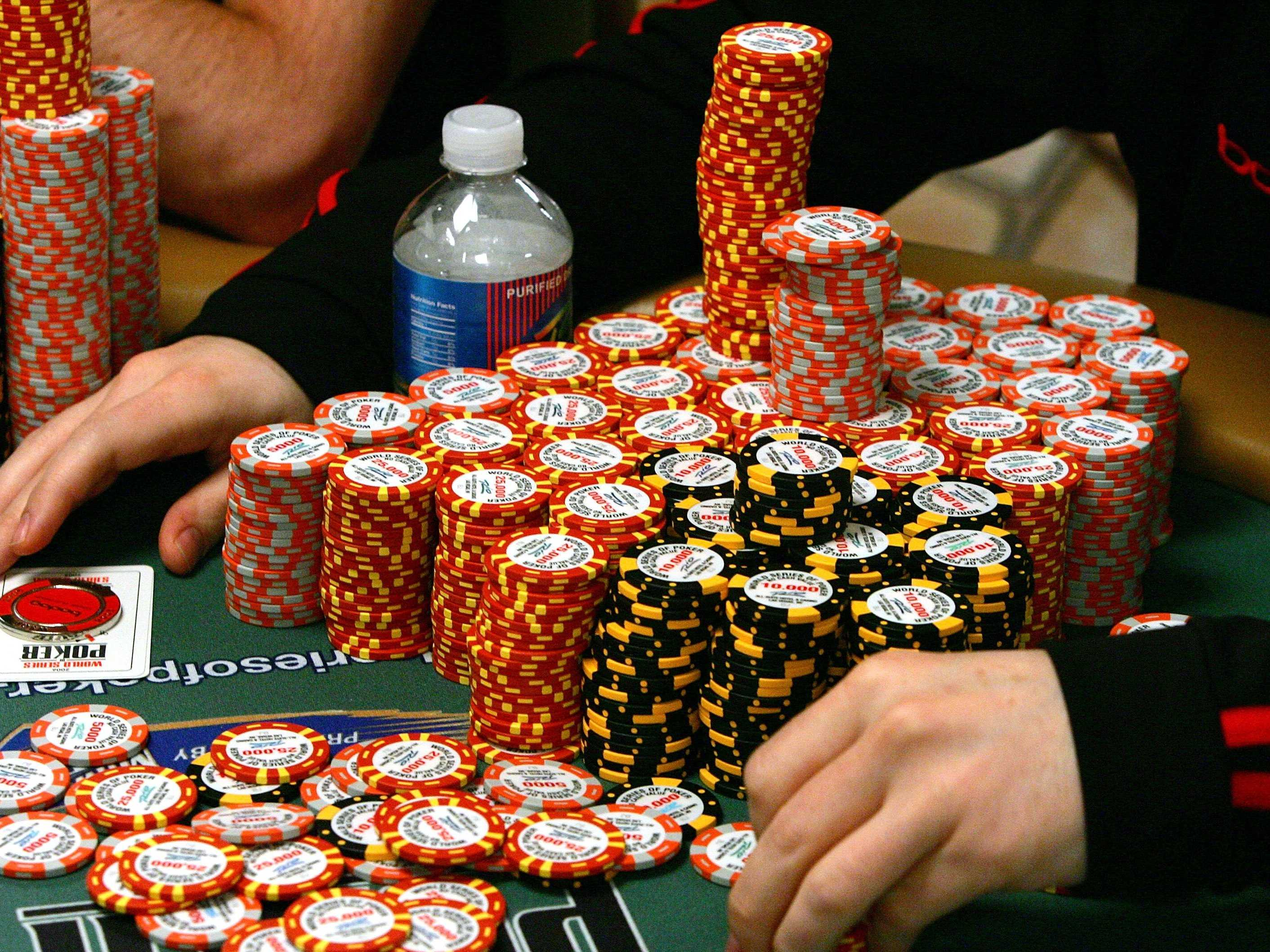 Стек фишек в покере